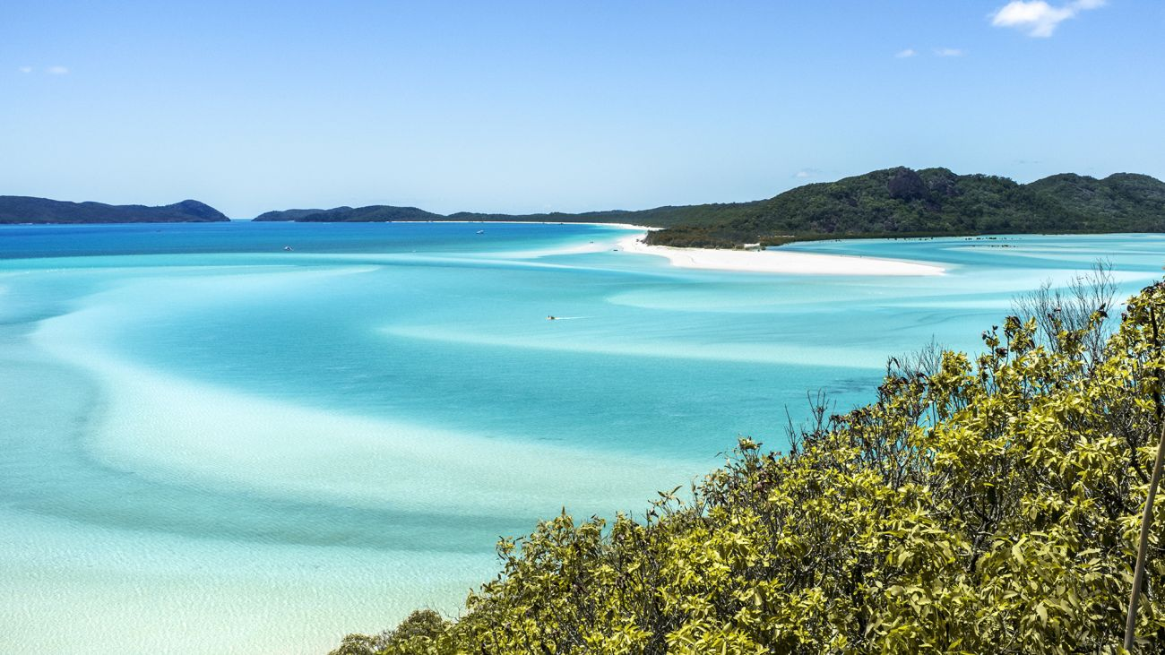 Image of Whitehaven Beach, Whitsunday Islands, QLD. Image credit Tulen